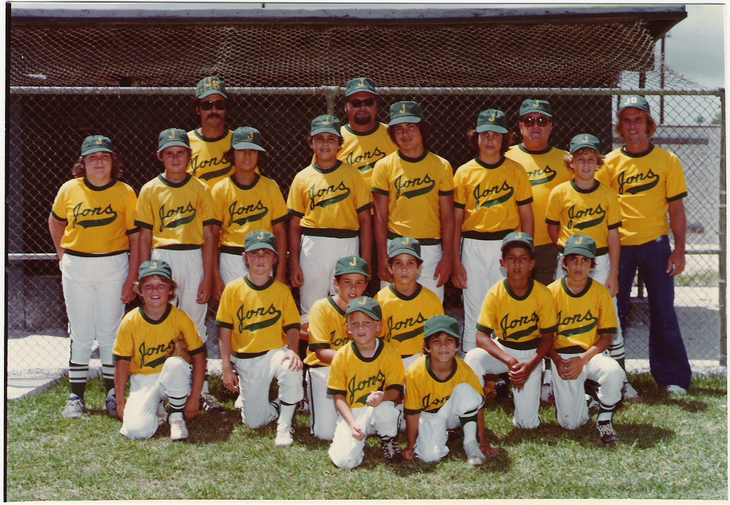 1974 L TO R Back: TONY MENDEZ, RAY REVAK, MR. JON, MARTY ARNOLD; 2ND ROW: BUBBA ROCHELLE, RAY REVAK JR., BUBBA SANTANA, JULIO GOMEZ, STEVE OREPEZA, RANDY ROCHELLE, TIMMY RODRIQUEZ; 3RD ROW: ERIC SPRINGER, TINGLEY, UNKNOWN, DANNY FEBLES, ROBERT CARMONA, GUS QUETTO?, BAT BOYS; ALAN COLLINS, FEBLES